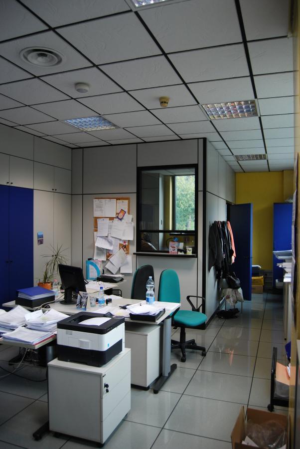 Contract arredo ufficio delta group design s p a for Arredo ufficio tecnico